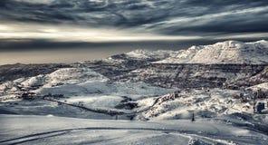 Bel horizontal de montagnes de l'hiver Photo libre de droits