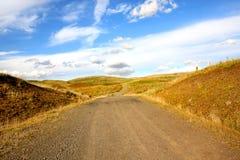 Bel horizontal rural avec des moulins à vent photo libre de droits