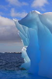 Bel iceberg incroyable en Antarctique Photo stock