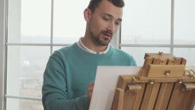 Bel inspirate de vue d'hiver un peintre pour dessiner une photo clips vidéos