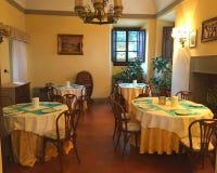 Bel intérieur élégant et cher d'une villa de luxe de famille image libre de droits