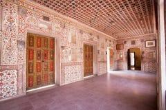 Bel intérieur du palais du fort du 16ème siècle de Junagarh Photo libre de droits