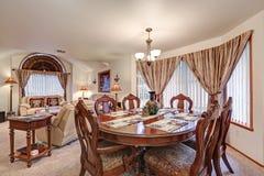 Bel intérieur formel de diner et de salon Du nord-ouest, Etats-Unis Photos libres de droits