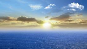 Bel océan vibrant images libres de droits