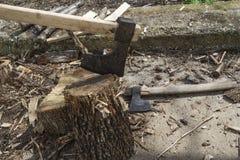 Bela ogienia drewno i stara cioska Zdjęcia Royalty Free