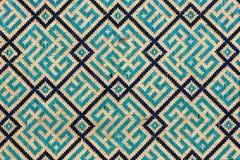 Belagd med tegel bakgrund, orientaliska prydnadar från Uzbekist Royaltyfri Fotografi