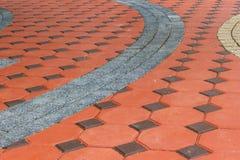 Belagd med tegel färgrik modell för förberedande stenar Royaltyfri Foto