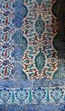 Belagd med tegel mosaikvägg Arkivfoton