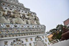 belagd med tegel pagod på templet av honom sol eller gryningtempel royaltyfria bilder