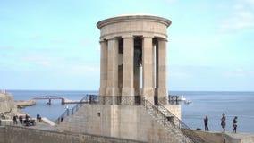 Belagerungs-Bell-Denkmal in Valletta, Malta stock footage