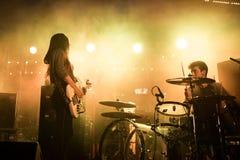 Belako (musikband) i konsert på Tibidabo Live Festival Arkivfoto