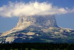 Belangrijkste Berg, met Uw Hoofd in de Wolken stock afbeelding