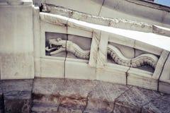 Belas artes arquitetónicas do detalhe em preto e branco imagem de stock