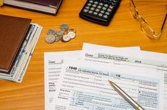 Belastingsvorm 1040 voor het jaar van 2016 Stock Foto's