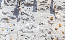 Belces en la pared de Climbin foto de archivo