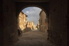 Belchite by som förstörs av bombningen av inbördeskriget i Spanien Royaltyfri Foto