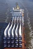 Beldorf (Tyskland) - lastskyttel på (retuscherade) Kiel Canal, Royaltyfri Foto