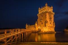 Belem torn eller Torre De Belem i Lissabon, Portugal färglinje nattfotografi Royaltyfria Foton