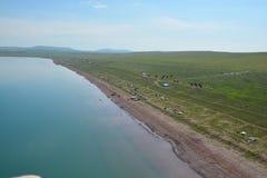 Belemeer in de steppe van Khakassia-panoramisch gezicht Royalty-vrije Stock Afbeeldingen