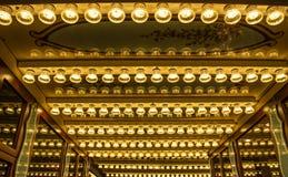 Beleuchten des Lampendekors in einem Vergnügungspark in Berlin lizenzfreie stockbilder