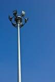 Beleuchten mit freiem blauem Himmel Lizenzfreie Stockfotografie
