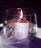 Beleuchten Sie eine Kerze Stockfotos