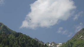 Beleuchten Sie szenischen Hubschrauber stock video footage
