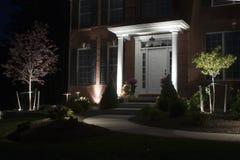 Beleuchteter Pfad zur Tür Stockfotografie