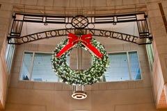 Beleuchteter Wreath in der Reston Stadtmitte Lizenzfreies Stockfoto
