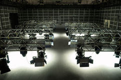 Beleuchtungausrüstung des Fernsehstudios Stockfotos