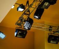 Beleuchtungsausrüstung für musikalisches Konzert stockfotos