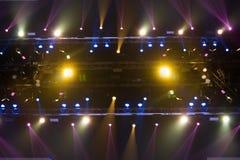 Beleuchtungsbau-Lichtgleichheit der Leistung bewegende lizenzfreies stockfoto