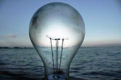 Beleuchtungslampe auf dem Strand Stockfotografie