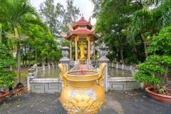 Beleza arquitetónica do templo antigo no campo Fotos de Stock Royalty Free