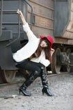 Beleza asiática ao lado do trem Foto de Stock Royalty Free