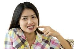 Beleza asiática com cintas dentais Imagens de Stock