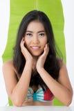 Beleza asiática com folha da banana Fotografia de Stock Royalty Free
