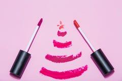 A beleza compõe o cosmético ajustado com a decoração do Natal Fotos de Stock Royalty Free