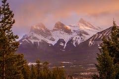 Beleza de montanhas do vale da curva, Canmore, Canadá imagem de stock