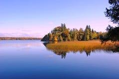 Beleza do outono da região de Leninegrado fotografia de stock