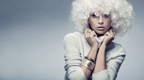 Beleza loura atrativa Fotos de Stock Royalty Free