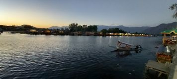 Beleza natural de Dal Lake, Srinagar fotografia de stock