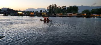 Beleza natural de Dal Lake, Srinagar imagem de stock