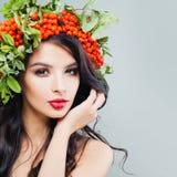 Beleza natural Jovem mulher bonito com composição imagens de stock royalty free