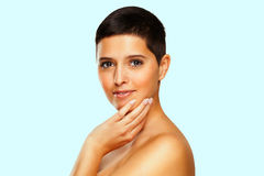 Beleza natural - mulher com cabelo curto Imagens de Stock
