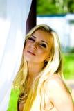 Beleza no vestido amarelo Foto de Stock Royalty Free