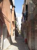 Beleza uma de Itália de ruas do canal em Veneza imagem de stock