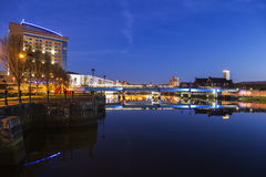 Belfast-Architektur entlang Fluss Lagan lizenzfreie stockbilder