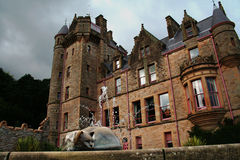 Belfast Castle. And the cat at the fountain Royalty Free Stock Photography