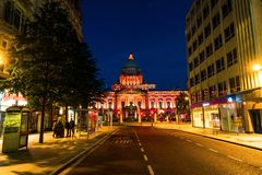 Nightlife with city hall in Belfast, UK Stock Photography